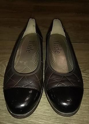 Туфли с лаковыми вставками pavers wide