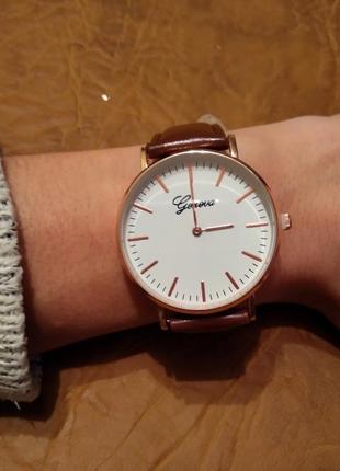Повседневные женские часы