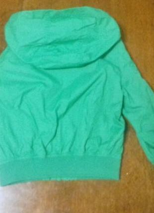 Куртка зелена2
