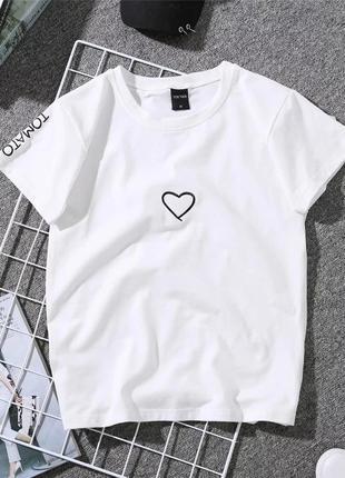 Милая футболка