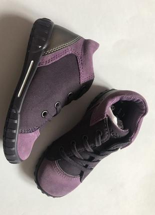 Демисезонные  новые  ботиночки ecco 23