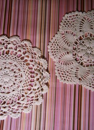 Уютный набор из двух интерьерных  салфеток хлопок ручная работа крючек