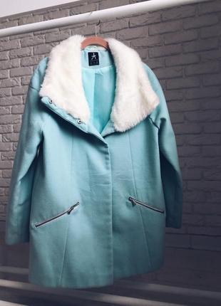 Красивое оверсайз пальто