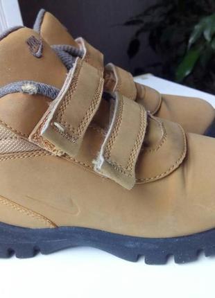 Детские демисезонные ботинки nike.3