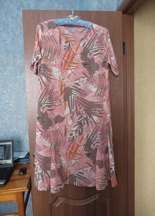 Легкое платье миди с дизайнерским принтом от charmance р.22 5xl. заходите и выбирайте!