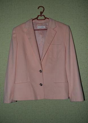 Стильный брендовый шерстяной пиджак escada-оригинал (италия).
