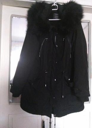 Куртка-парка черного цвета