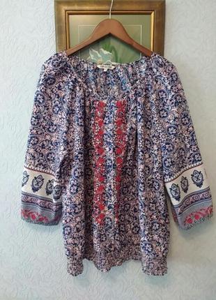 Блуза в этностиле бохо с вышивкой и ярким принтом