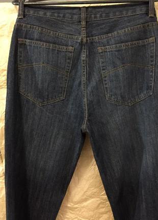 Классические плотные джинсы .