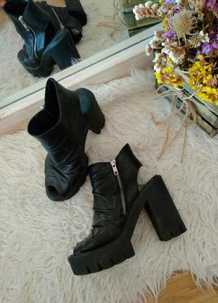 Крутые кожаные  ботинки, ботильоны, боты и открытым носком, босоножки