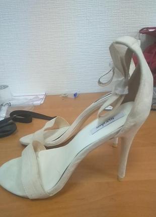 Босоножки nly shoes