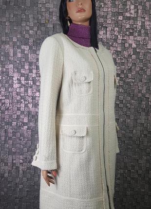 Шикарное весенее пальто в стиле шанель