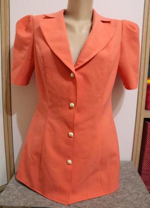 Коралловый пиджак с коротким рукавом, приталенный пиджачек
