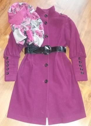 Длинное кашемировое пальто демисезон с лаковым поясом (размер м)