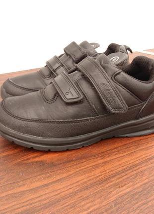 Кожаные кроссовки clarks ,размер 28.5...