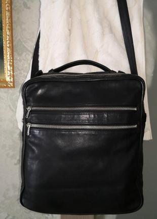 Стильная кожаная сумка.