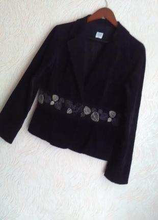 Красивый велюровый пиджак с вышивкой grey wolf 48-50размер