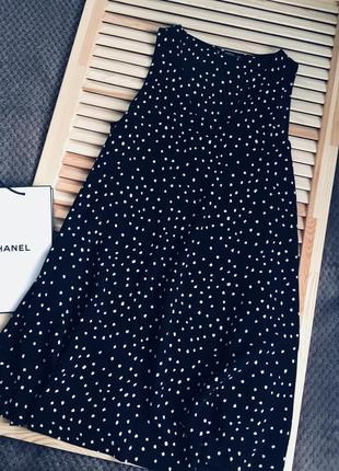 Шикарное нежное чёрное платье в горох mango