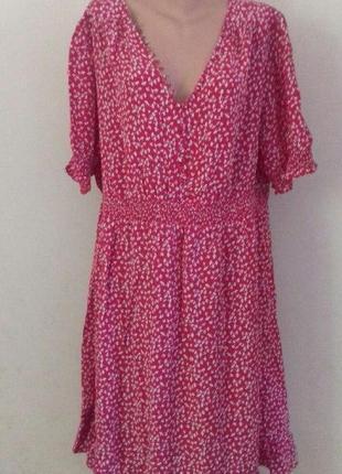 Вискозное платье с принтом большого размера moonsoon