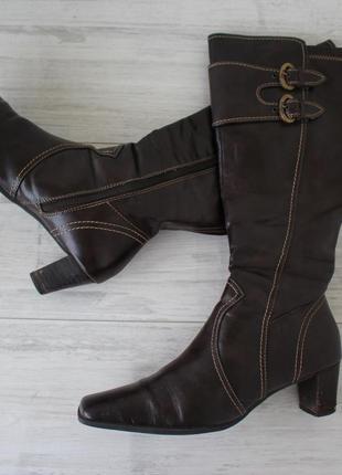 Высокие кожаные фирменные сапоги от s.oliver