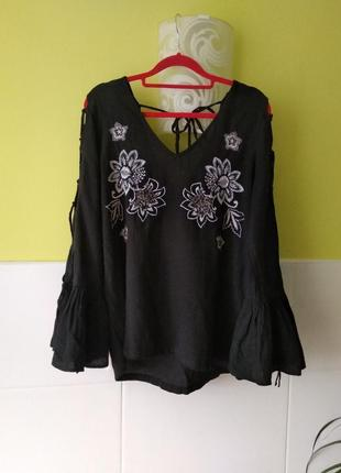 Красивая блуза с обьемными рукавами и вышивкой river island 10 р4