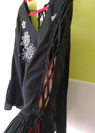 Красивая блуза с обьемными рукавами и вышивкой river island 10 р6