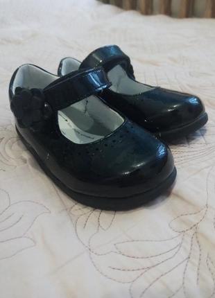 Лаковые туфельки