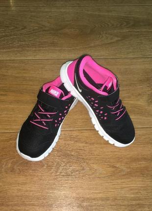 Легкие кроссовки nike flex run, оригинал, р-р 30, ст 20,5 см. в идеале
