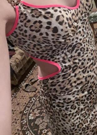 Леопардовое платье с разрезами2