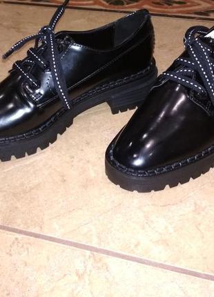 Нові черевички bershka5 фото