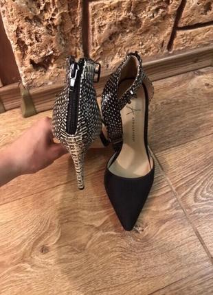 Туфли на шпильке3