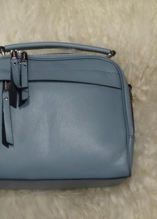 Удобная практичная сумочка