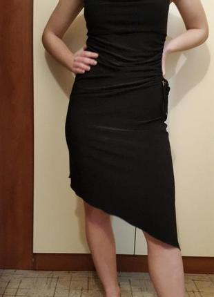 Нарядное платье h&m ассиметричной длины.