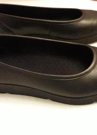 Medicus шкіряні туфлі на широку ногу 39 р.1 фото