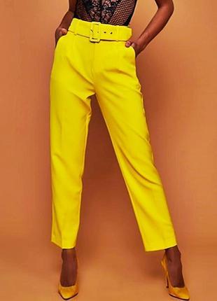 Классические жёлтые штаны с толстым ремнём2