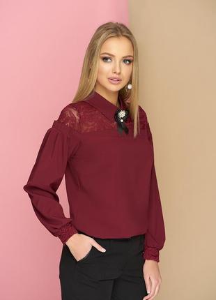 Шикарная блуза с кружевом и брошью.1
