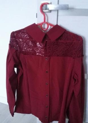 Шикарная блуза с кружевом и брошью.4