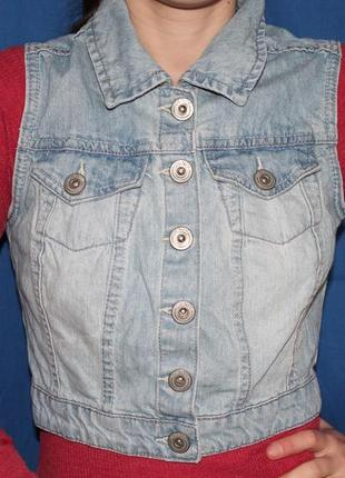 Трендовый женский джинсовый жилет  безрукавка, размер 81