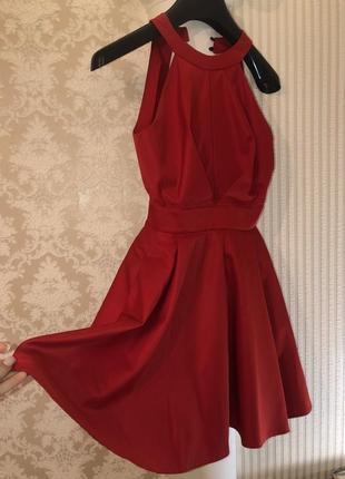 Красное платье - мини с открытой спиной1 фото