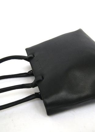 Люкс бренд. jil sander. германия. лаконичная кожаная сумка на плечо.6