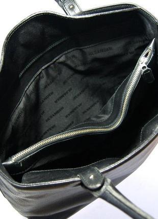 Люкс бренд. jil sander. германия. лаконичная кожаная сумка на плечо.7