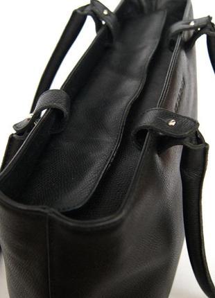 Люкс бренд. jil sander. германия. лаконичная кожаная сумка на плечо.8