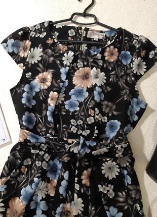 Стильное платье.размер l4