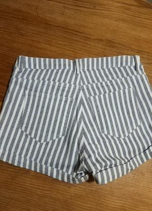 Фирменные стильные качественные натуральные шорты в полоску .6