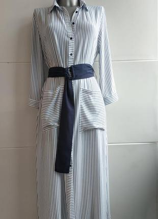 Стильное платье- рубашка zara в полоску, с карманами, поясом и боковыми разрезами