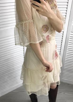 Романтичне фатінове плаття з оборками8