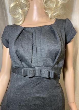 Симпатичное базовое плотное трикотажное платье по фигуре4