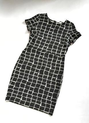 Чёрно-белое платье футляр в клетку dorothy perkins1 фото