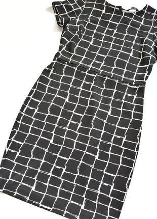 Чёрно-белое платье футляр в клетку dorothy perkins3 фото