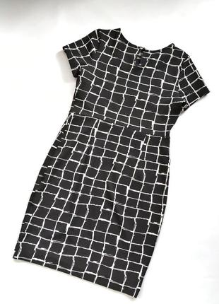 Чёрно-белое платье футляр в клетку dorothy perkins4 фото